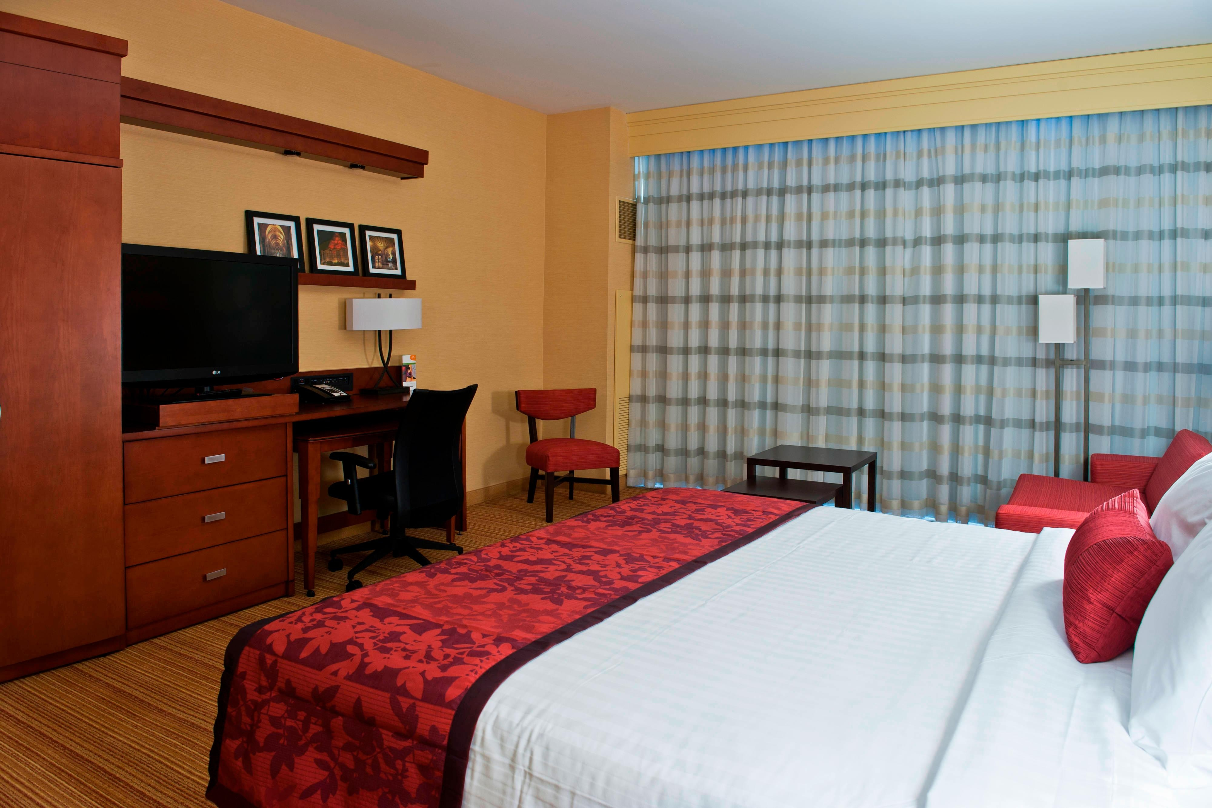 King Guest Room Work Space