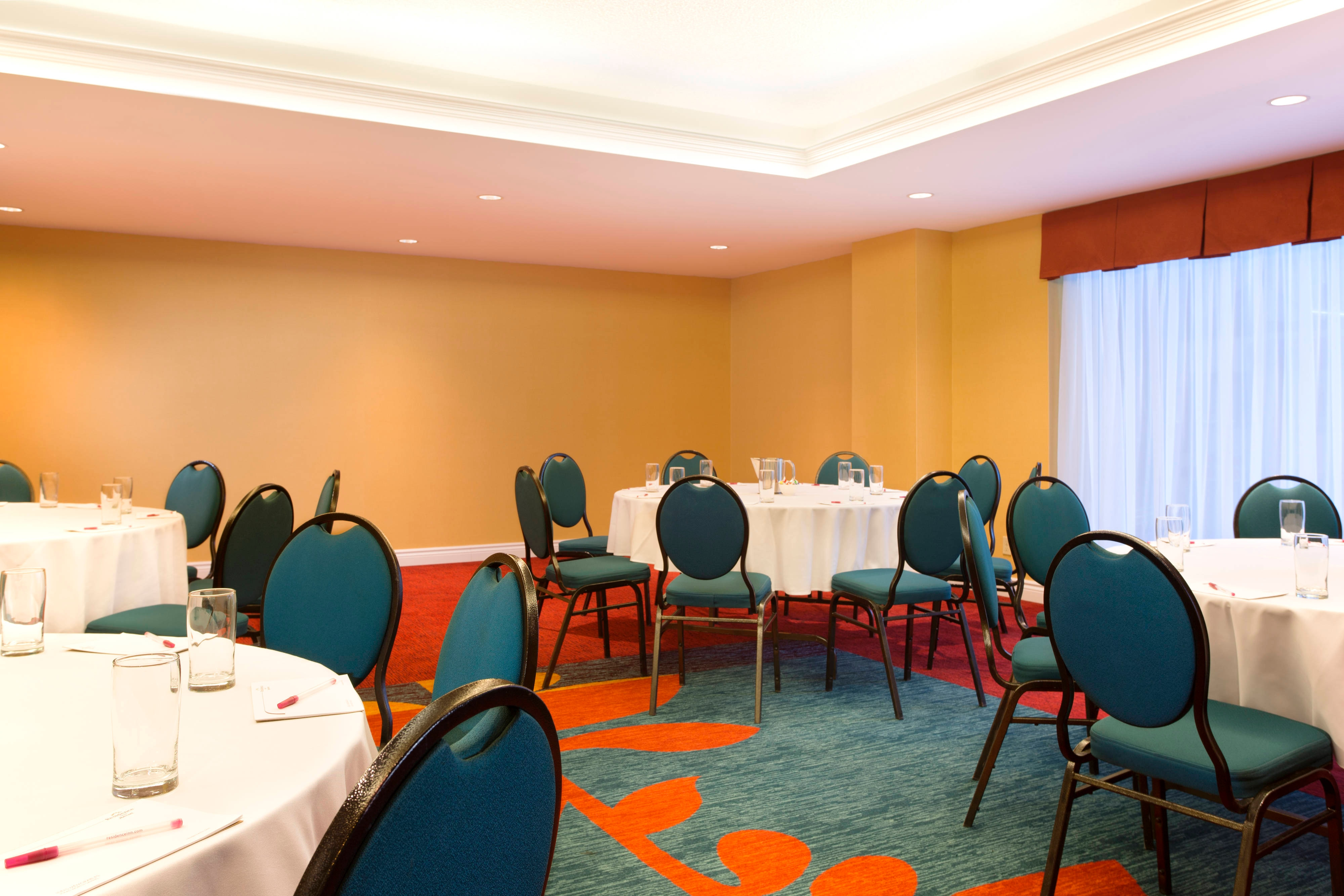 Montcalm Meeting Room – Banquet Setup
