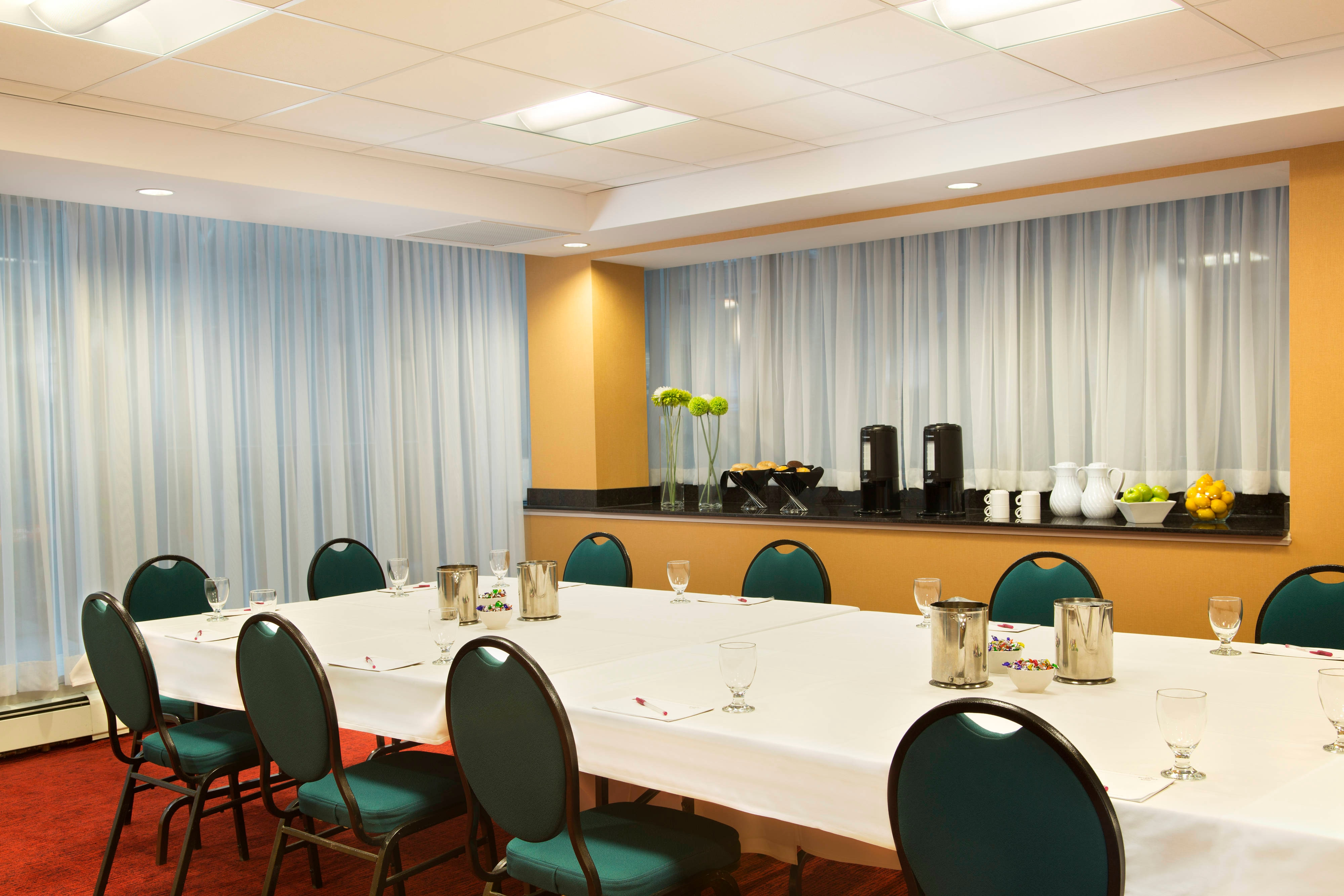 Champlain Meeting Room – Boardroom Setup