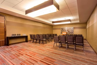 Maple Meeting Room