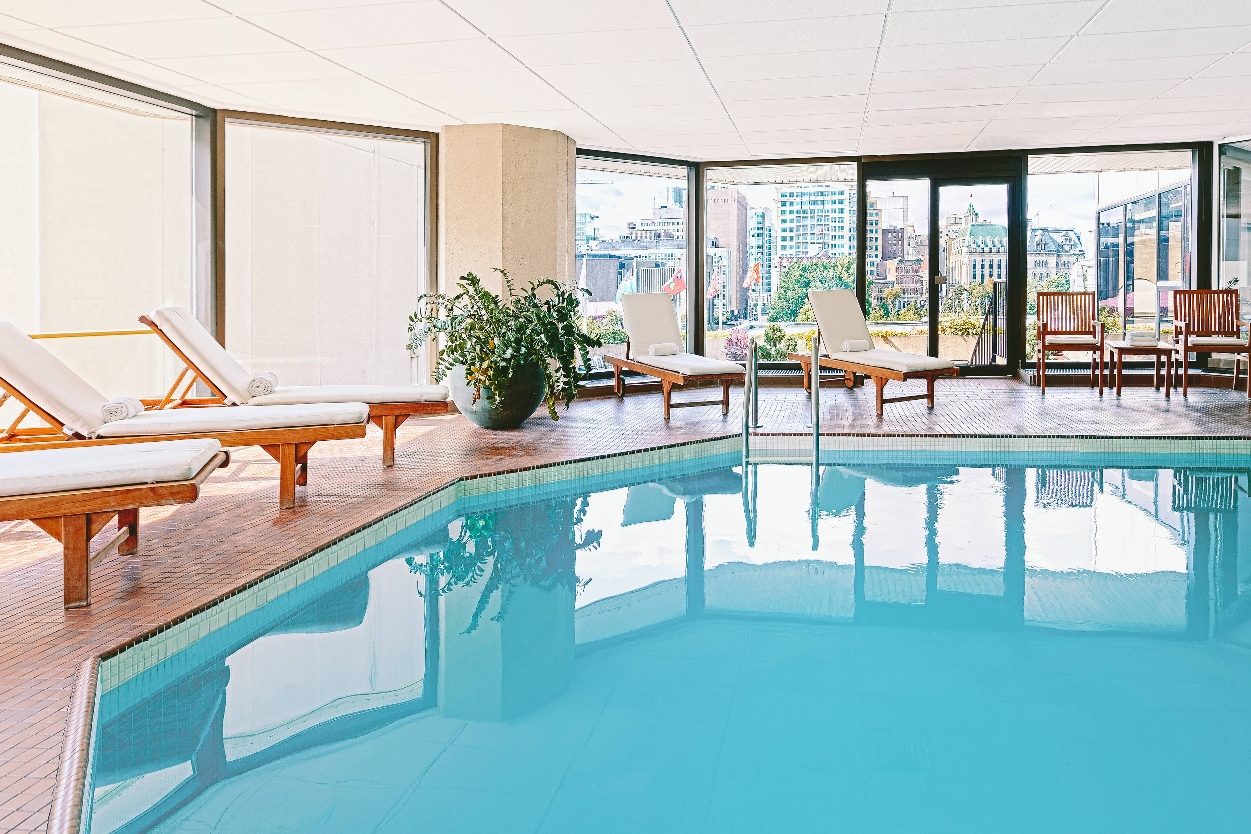 Ottawa hotel with indoor pool the westin ottawa - Hotels with saltwater swimming pools ...