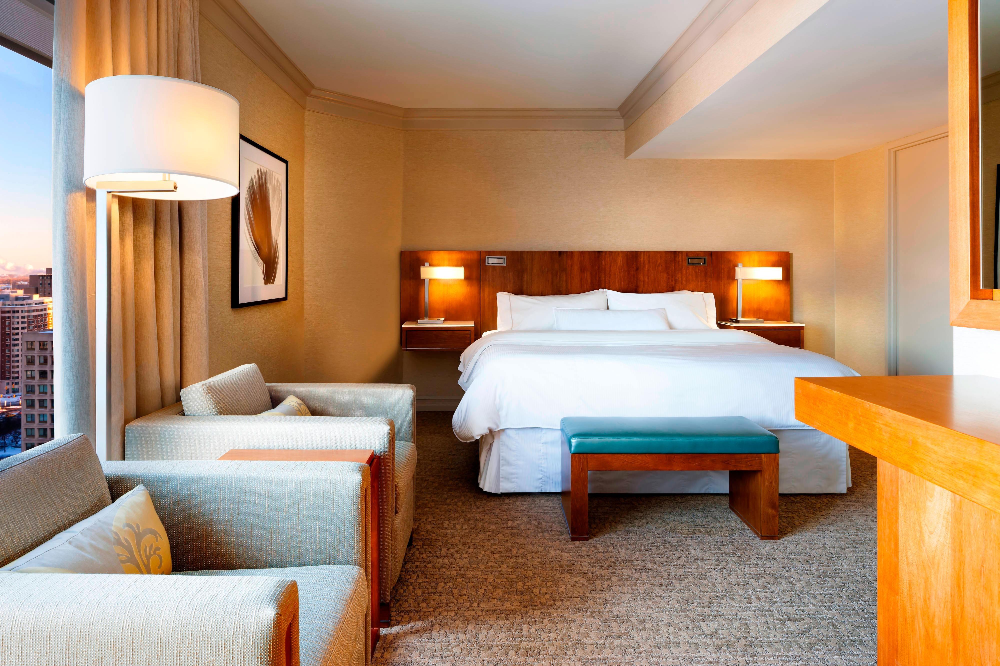 Bedroom - Renaissance Suite