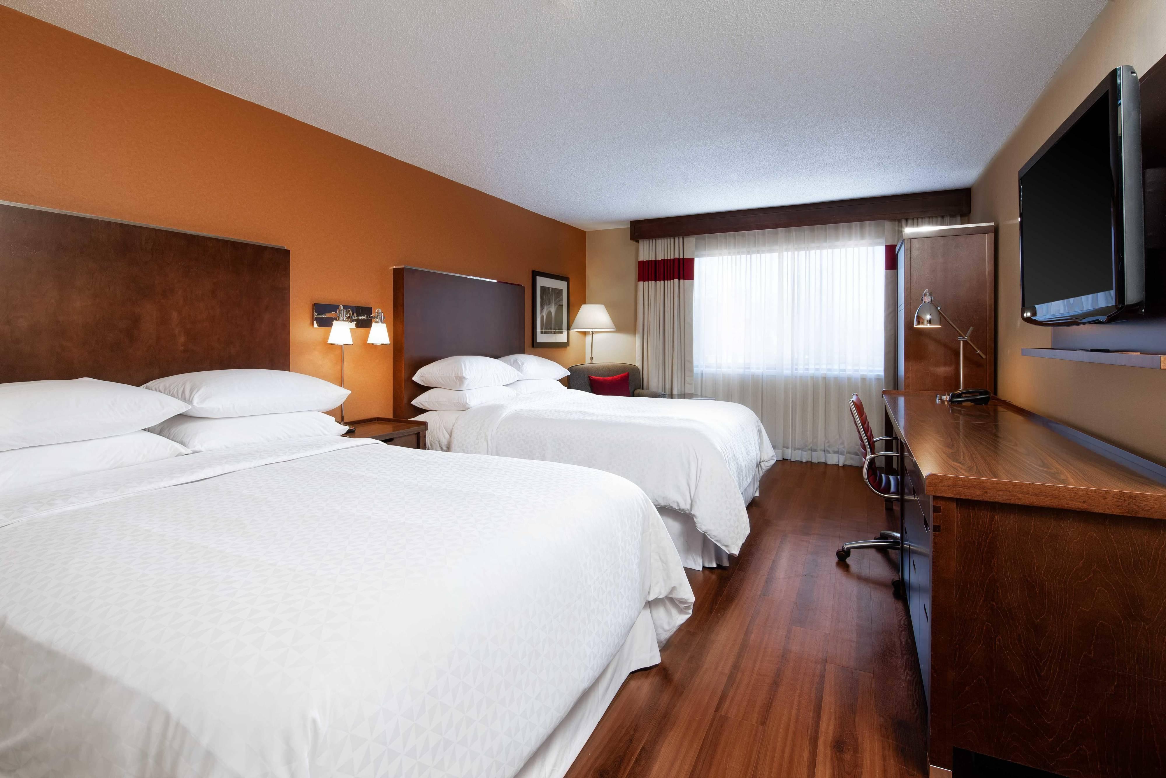 Traditionelles Zimmer mit Doppelbett