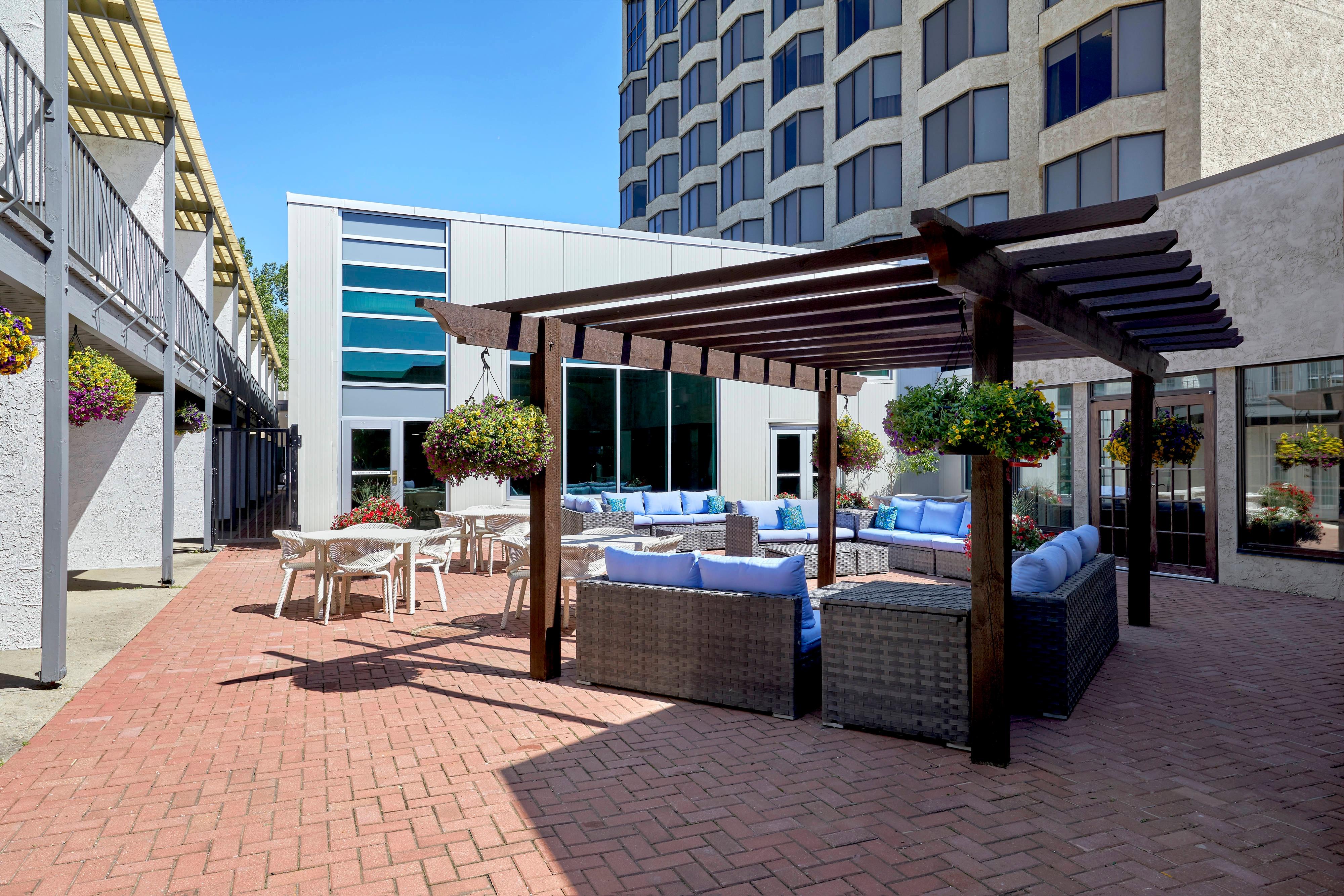 Garden Terrace Lounge Patio