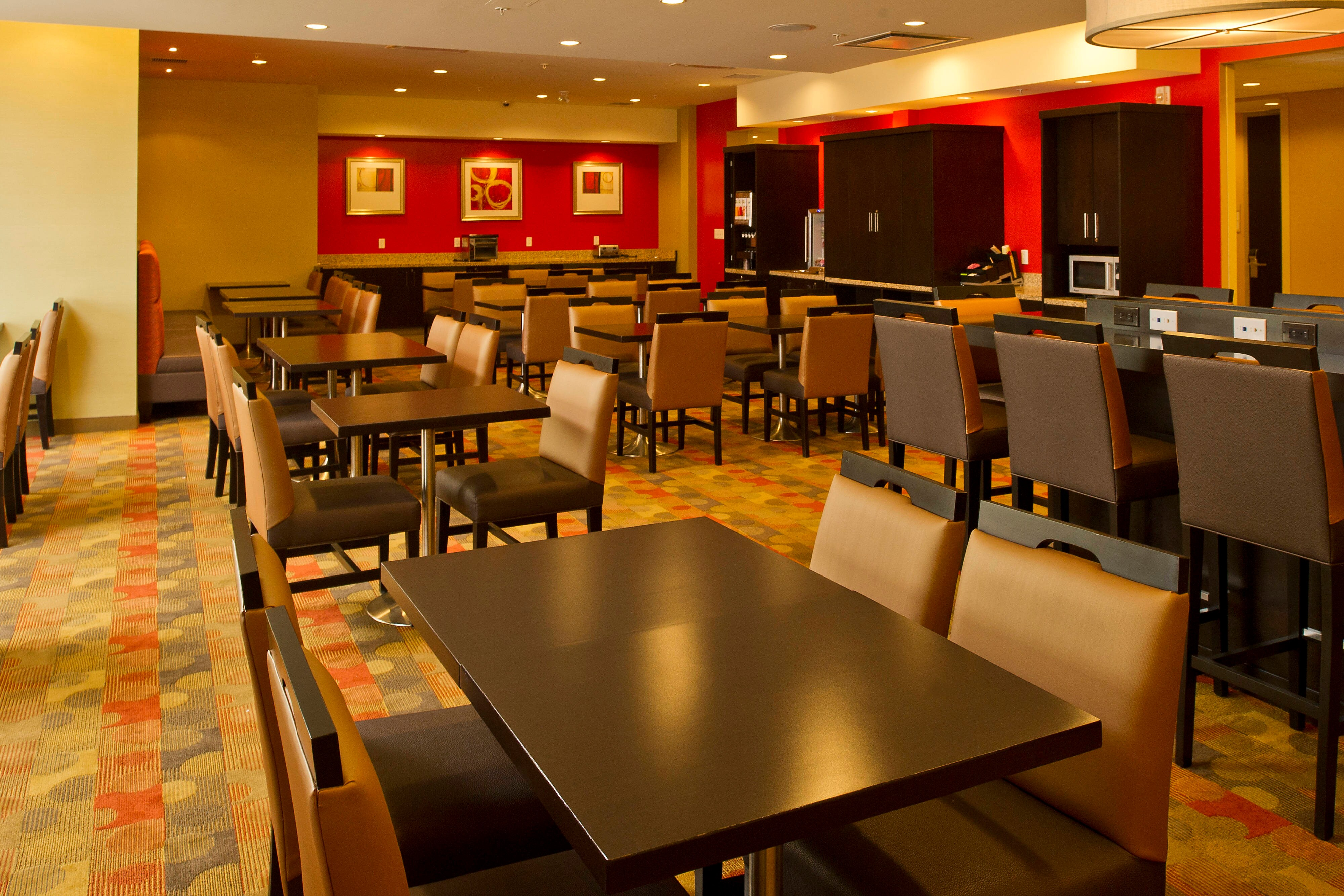 hot breakfast, free, complimentary, hotel, hotels, thunder bay, marriott, towneplace suites