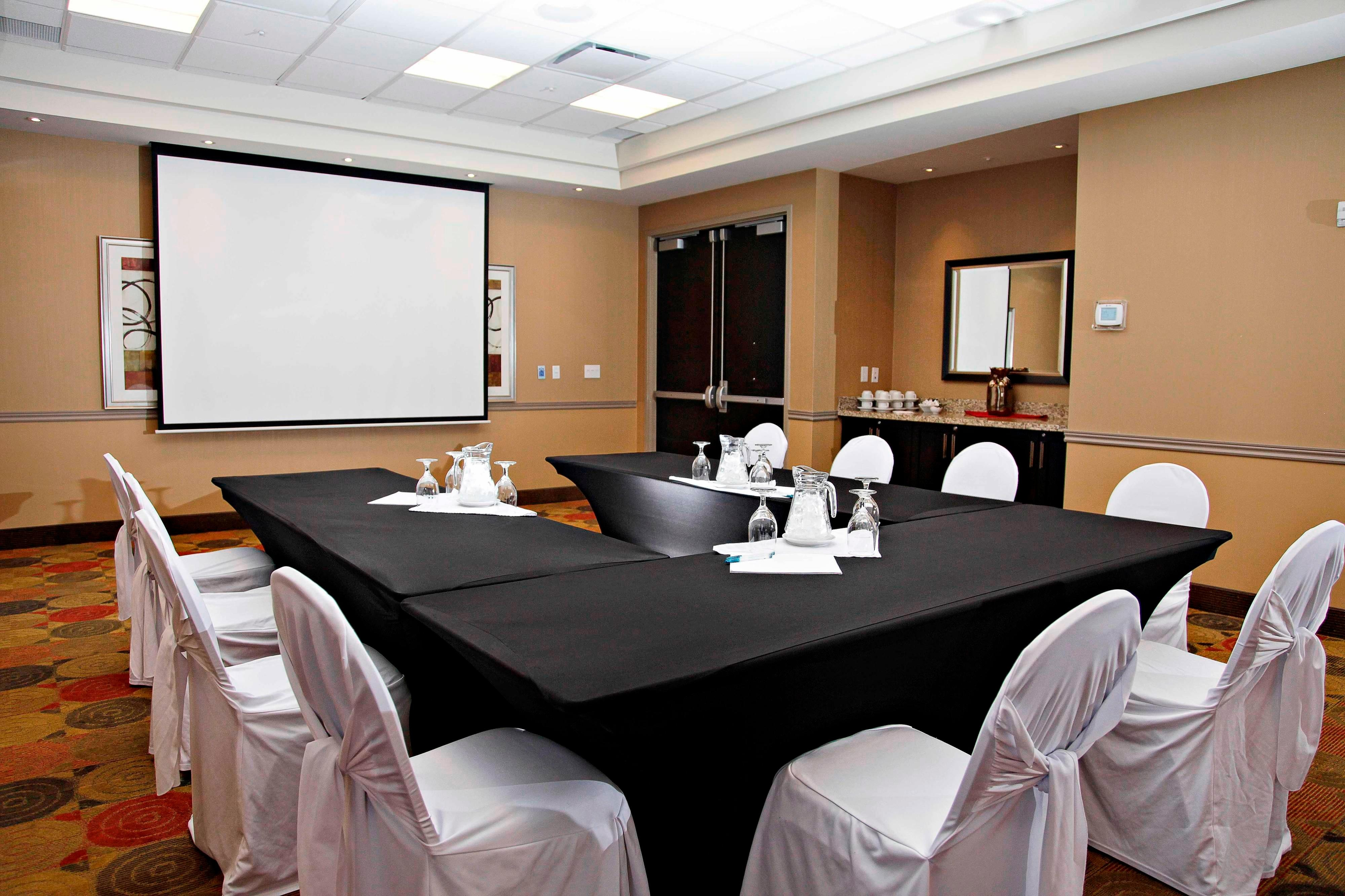 TownePlace Suites Meeting Room