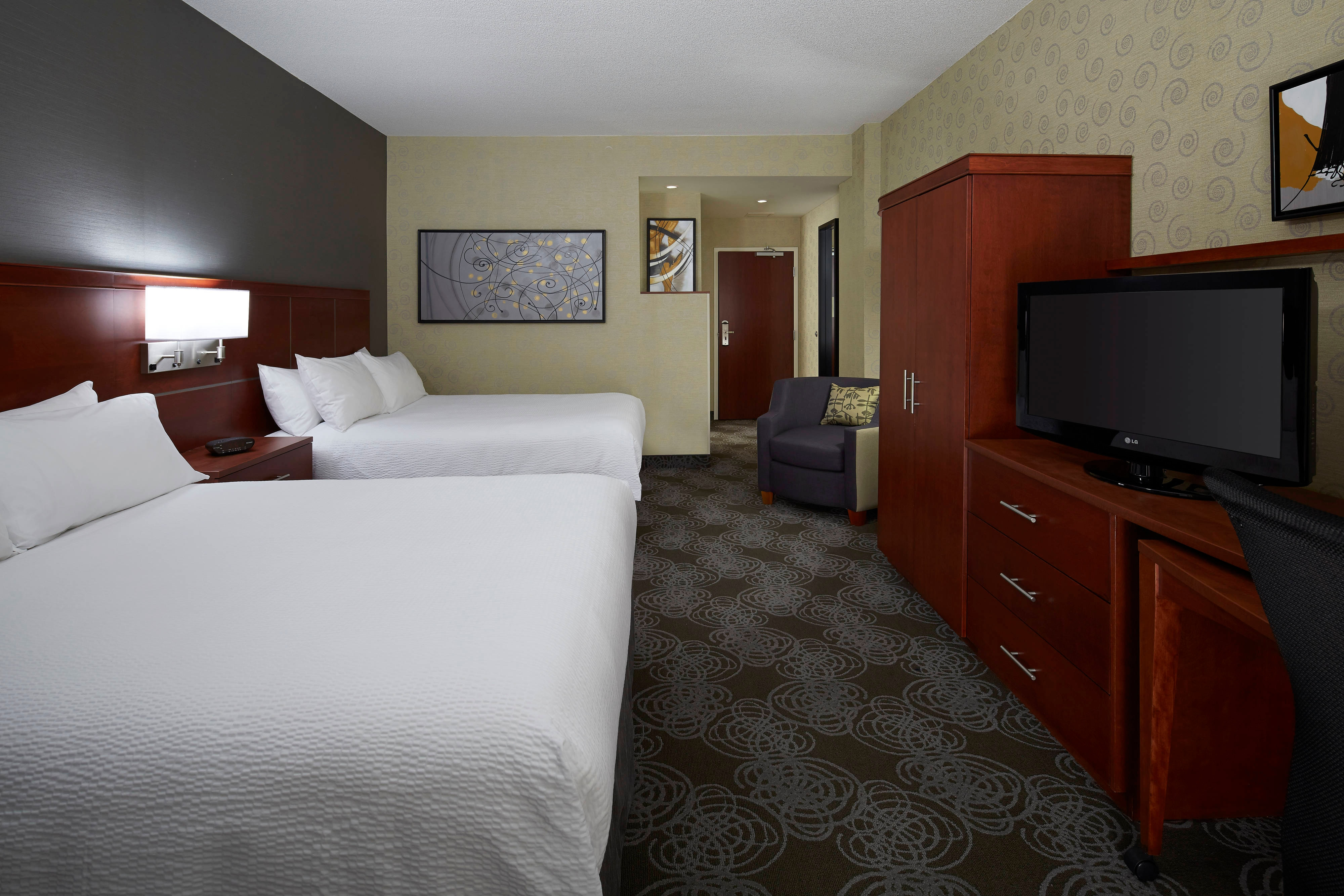 Pointe Claire Quebec hotel rooms