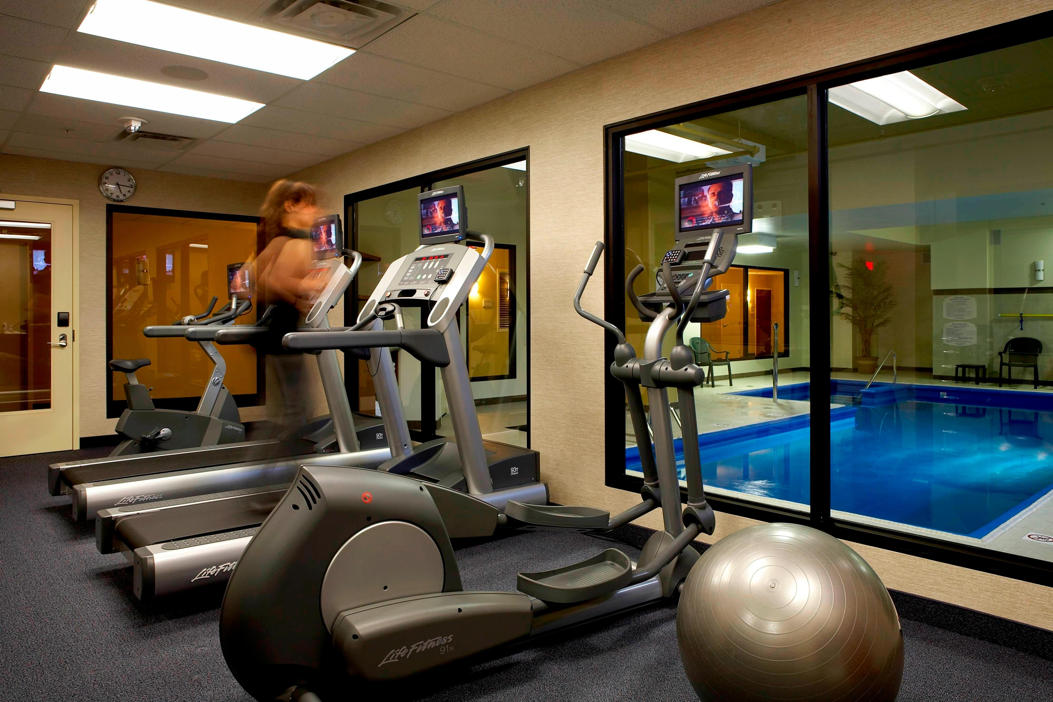 Montreal airport hotel fitness center