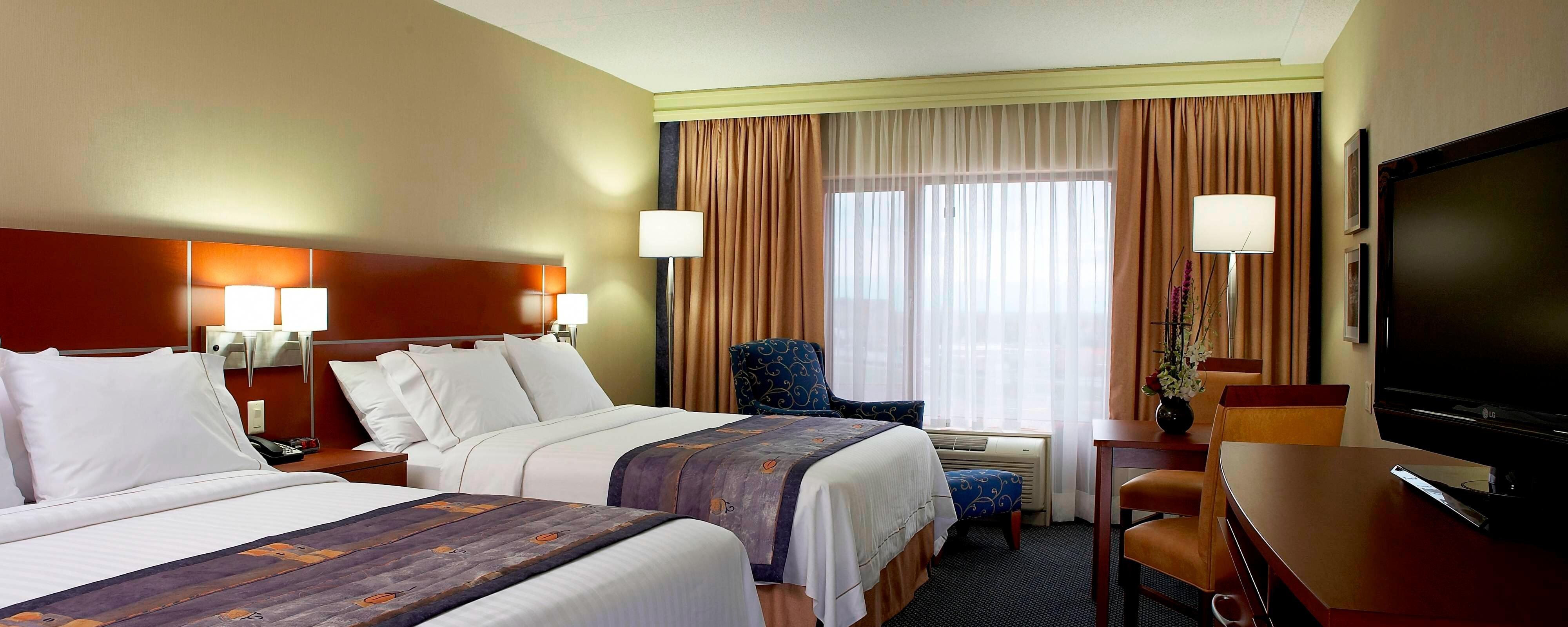 Dorval airport hotel guest rooms
