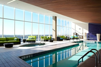 Montreal hotel with pool