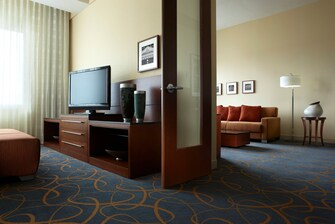Montreal Airport hotel presidential suite