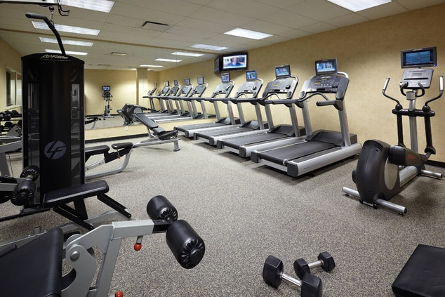 Montreal hotels with fitness center