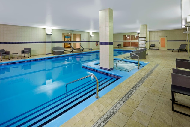 Montreal hotels with indoor pool