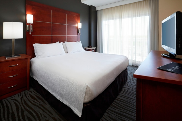 Extended stay hotels Montreal Airport