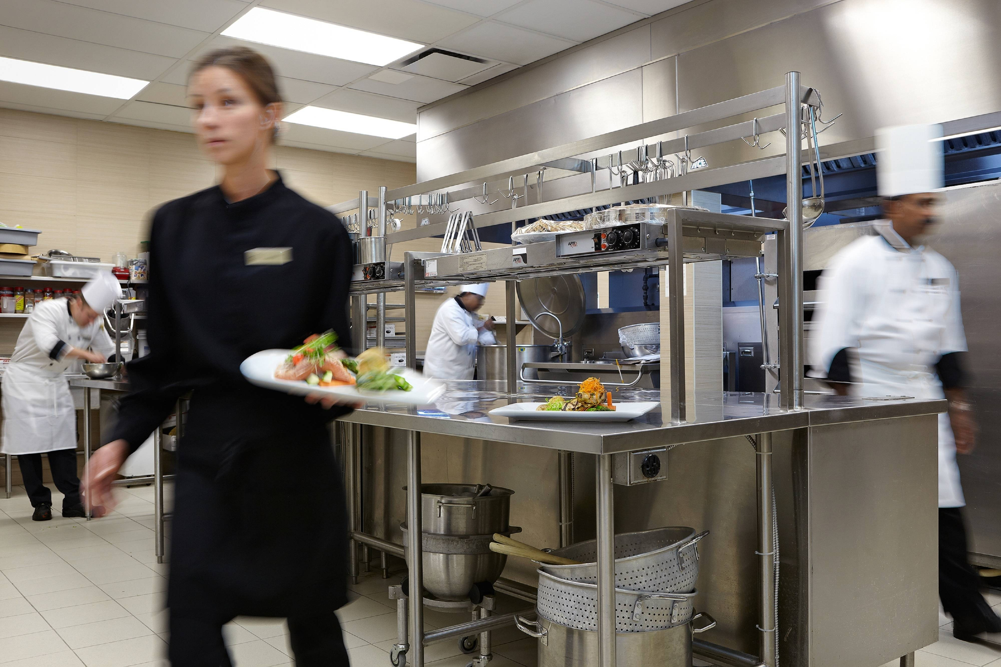 Dorval restaurant kitchen