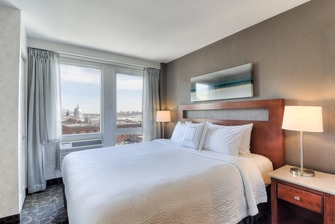 Old Port Montreal King Suite