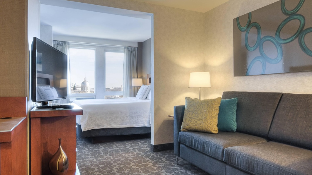Montreal suites near cruise terminal