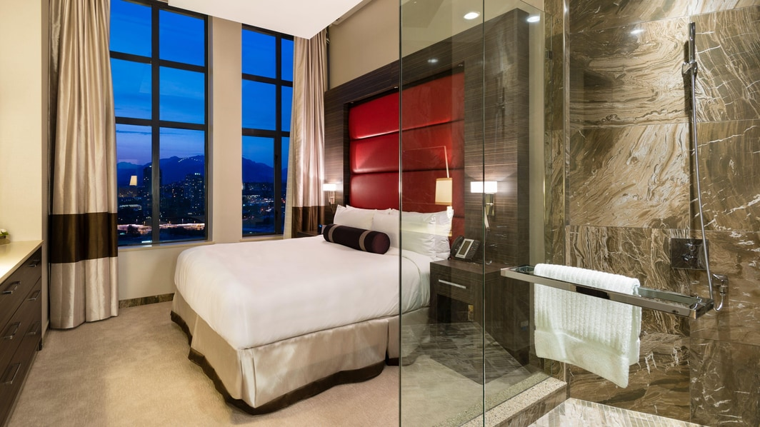 Ducha de la suite de un dormitorio