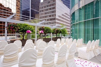 Outdoor Vancouver wedding venue