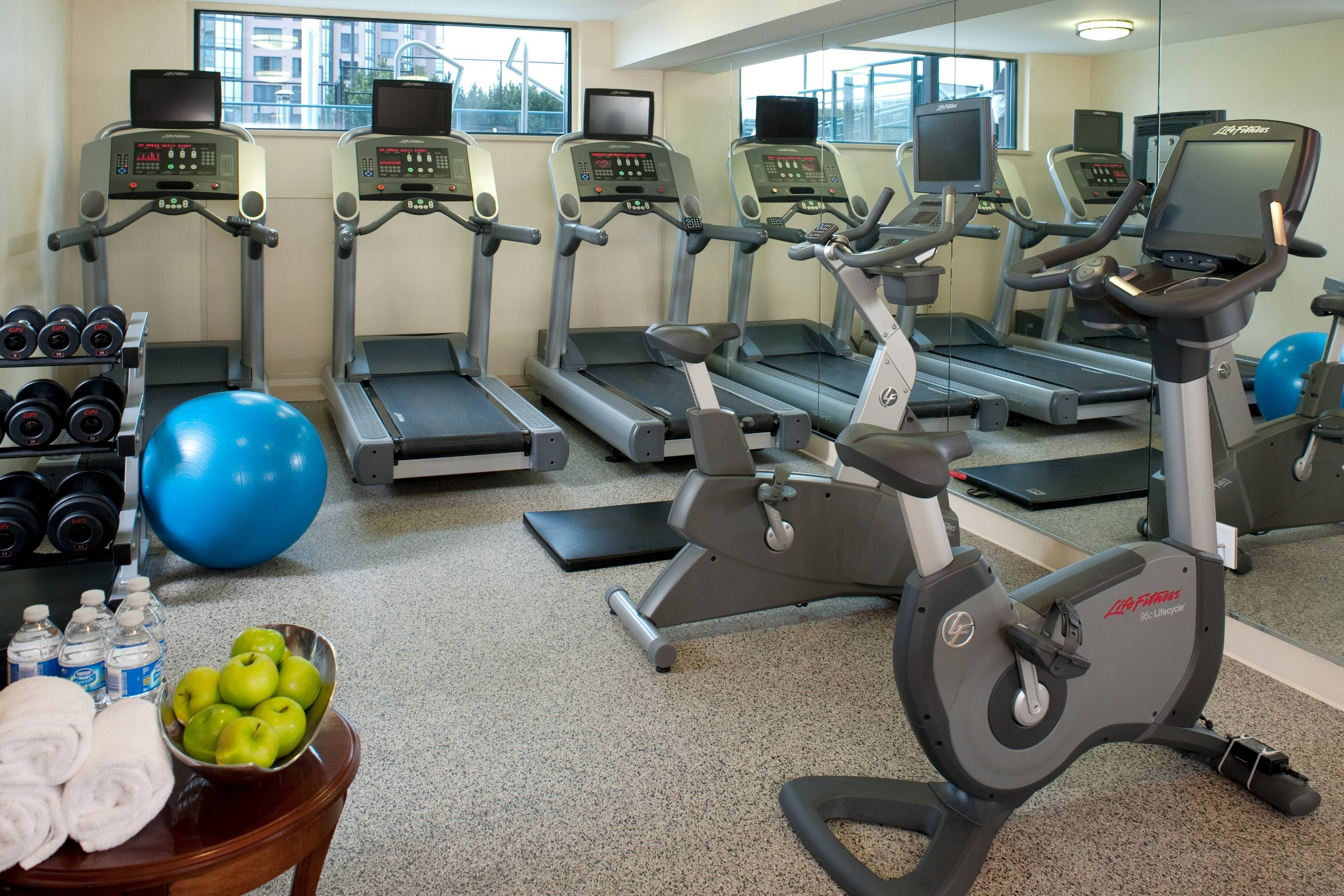 Vancouver airport hotel with gym