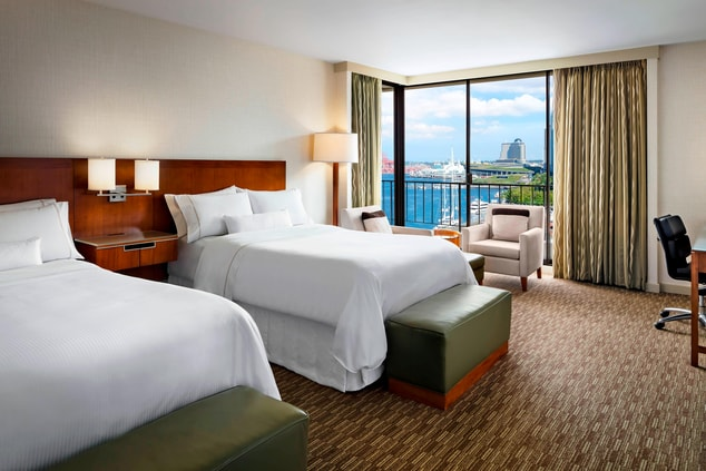 Premium Corner Harbour View Room