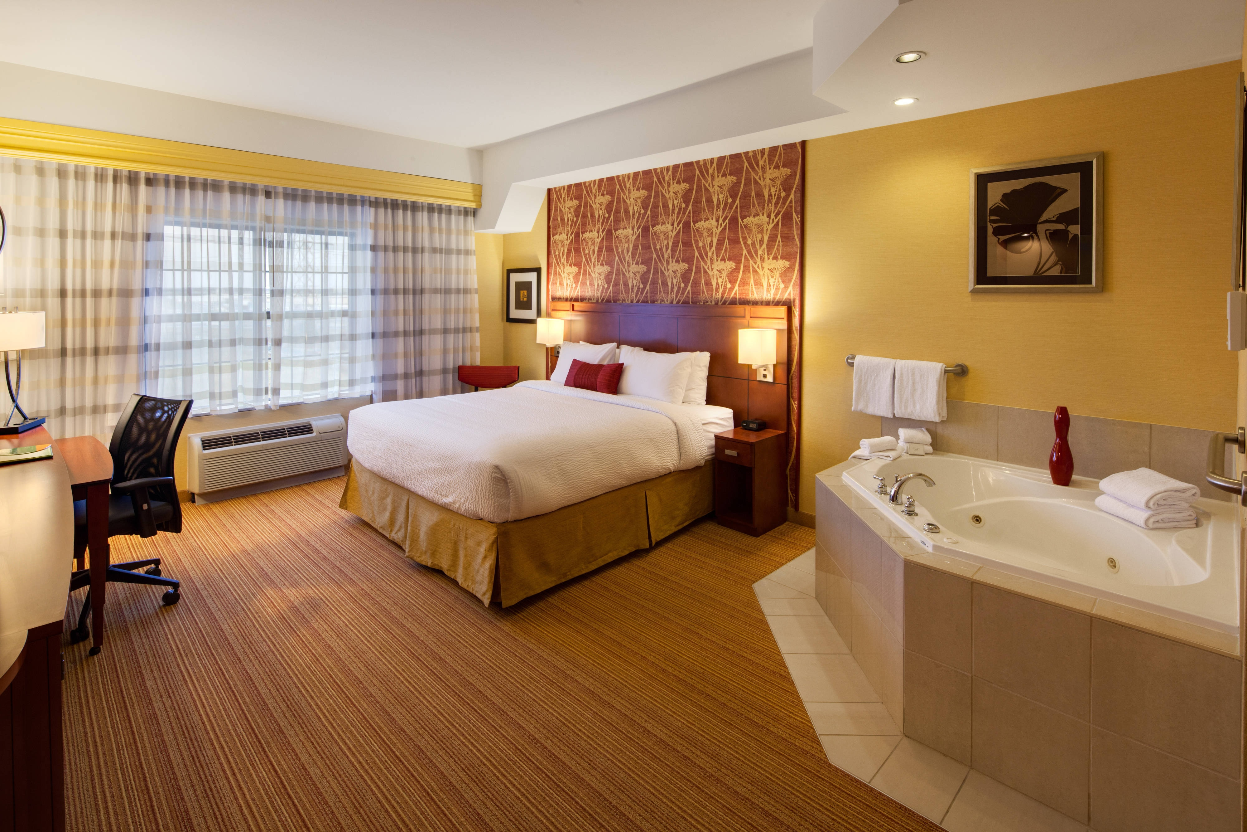 King Suite mit Whirlpool