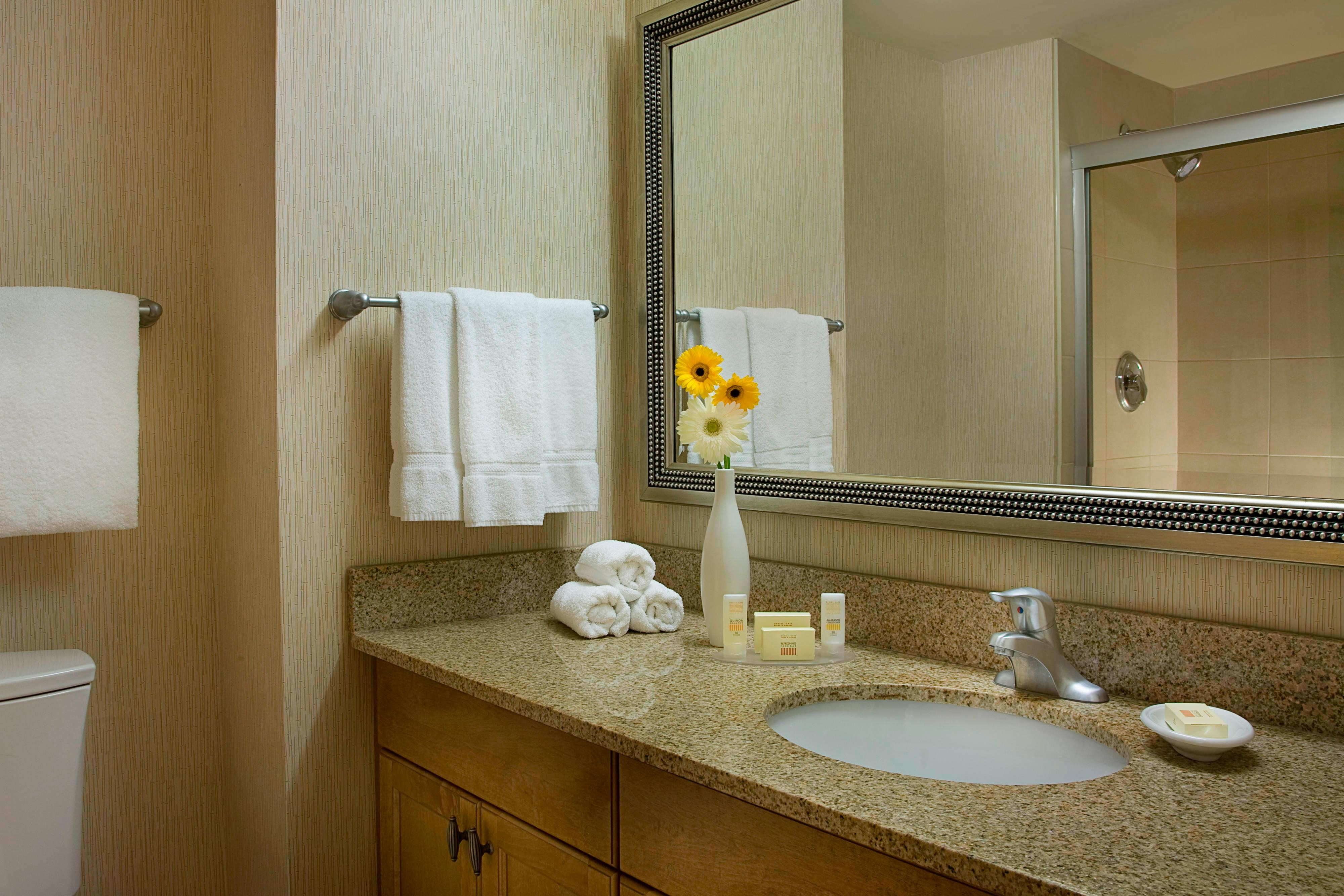 RI London Updated Guest Bathrooms