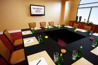 RI London King Meeting Room