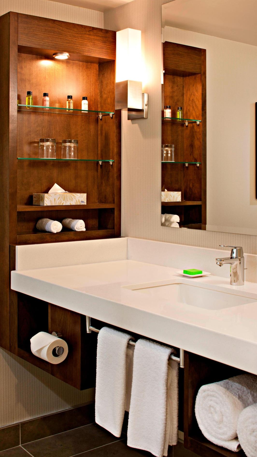 Deluxe Guest Bathroom Amenities