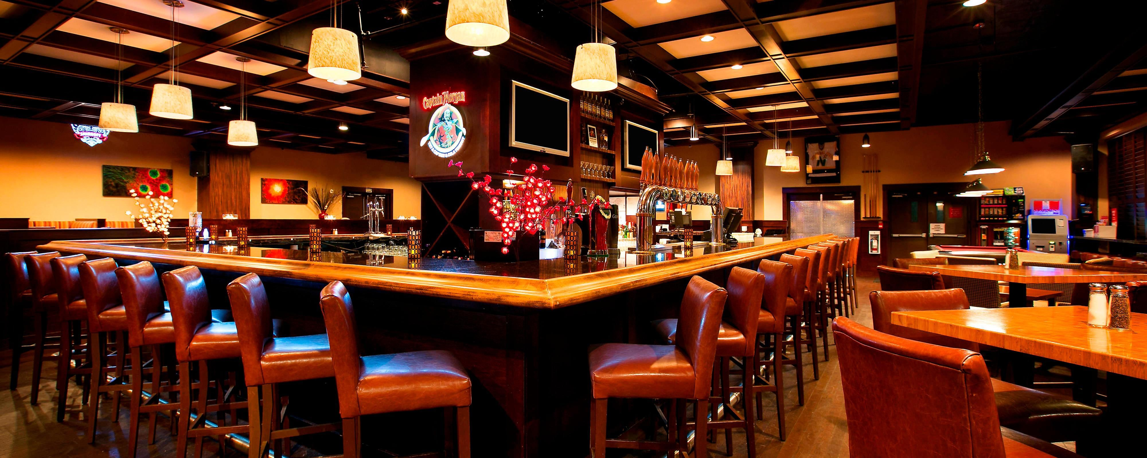 Victoria hotel restaurants and lounges | Four Points by Sheraton ...