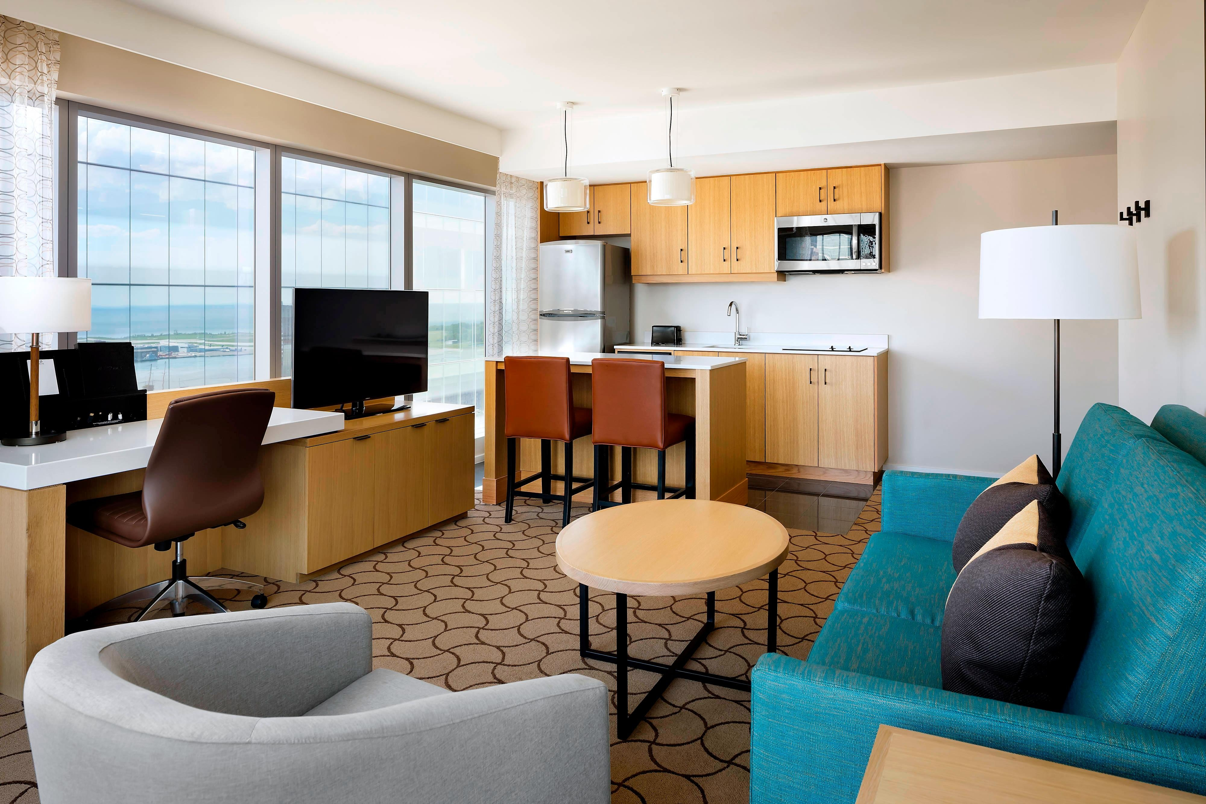 Delta Toronto, Extended-Stay Suite