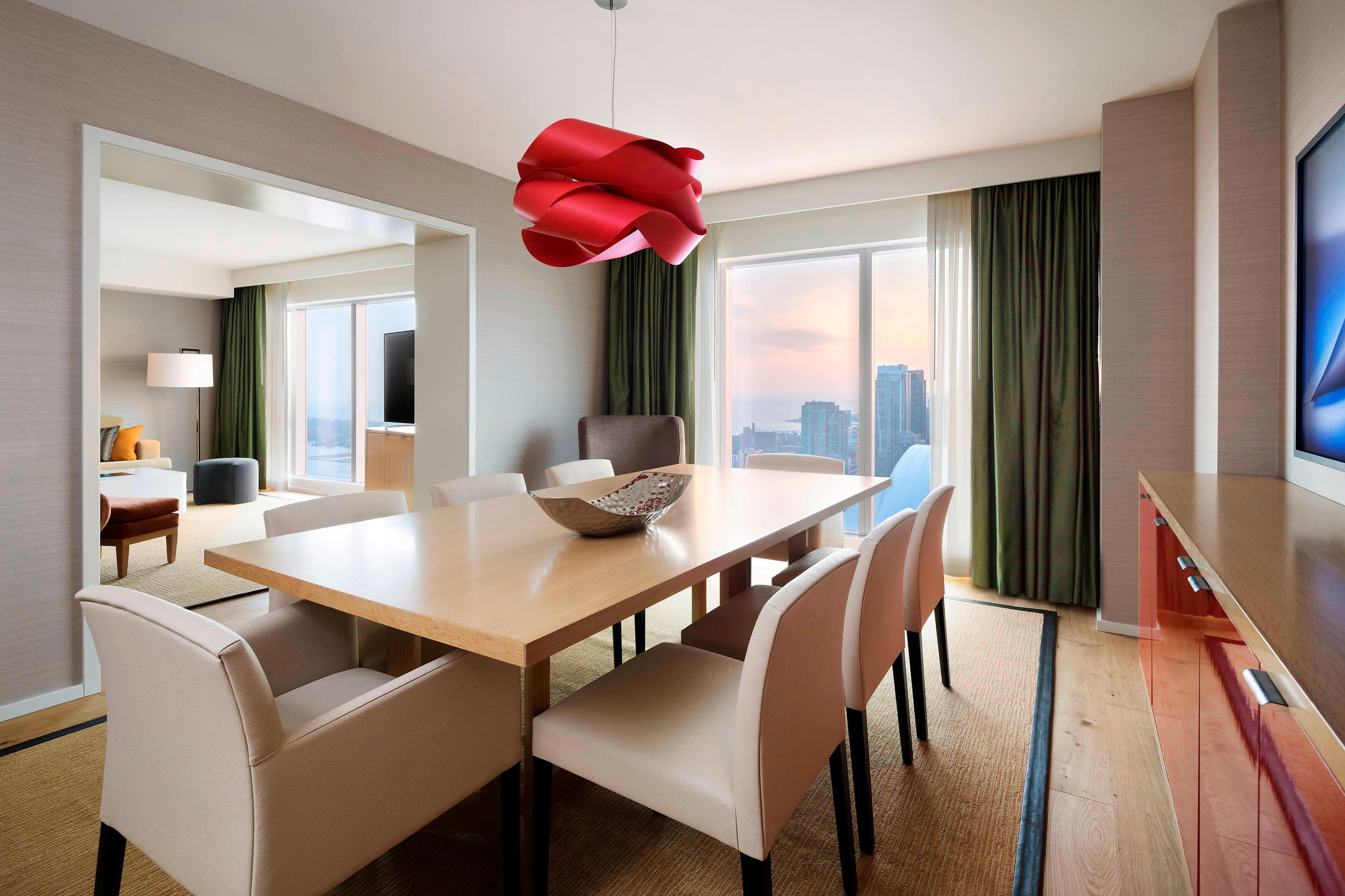 Downtown Toronto Hotel, Chairman Suite, Working area