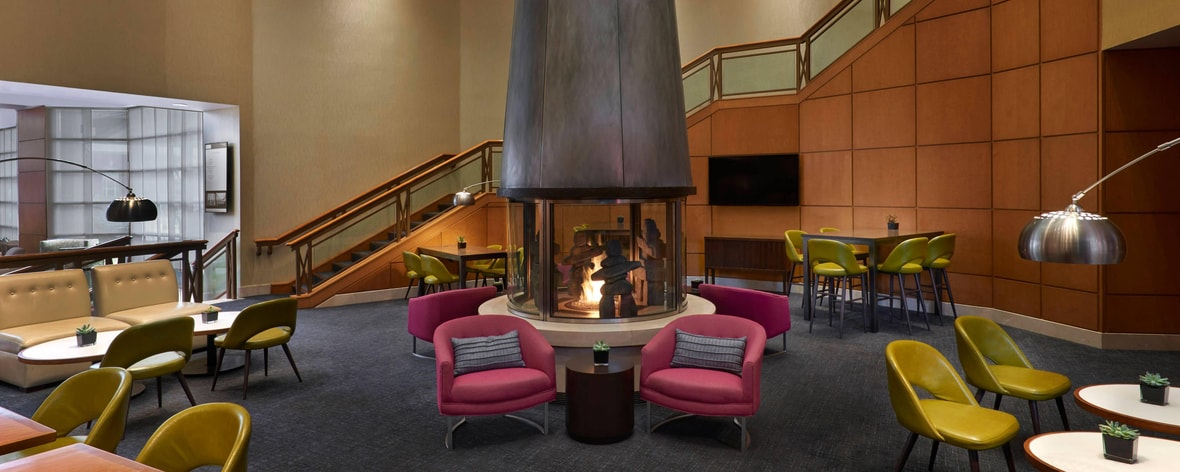 Hotel in Downtown Toronto | Marriott Downtown at CF Toronto