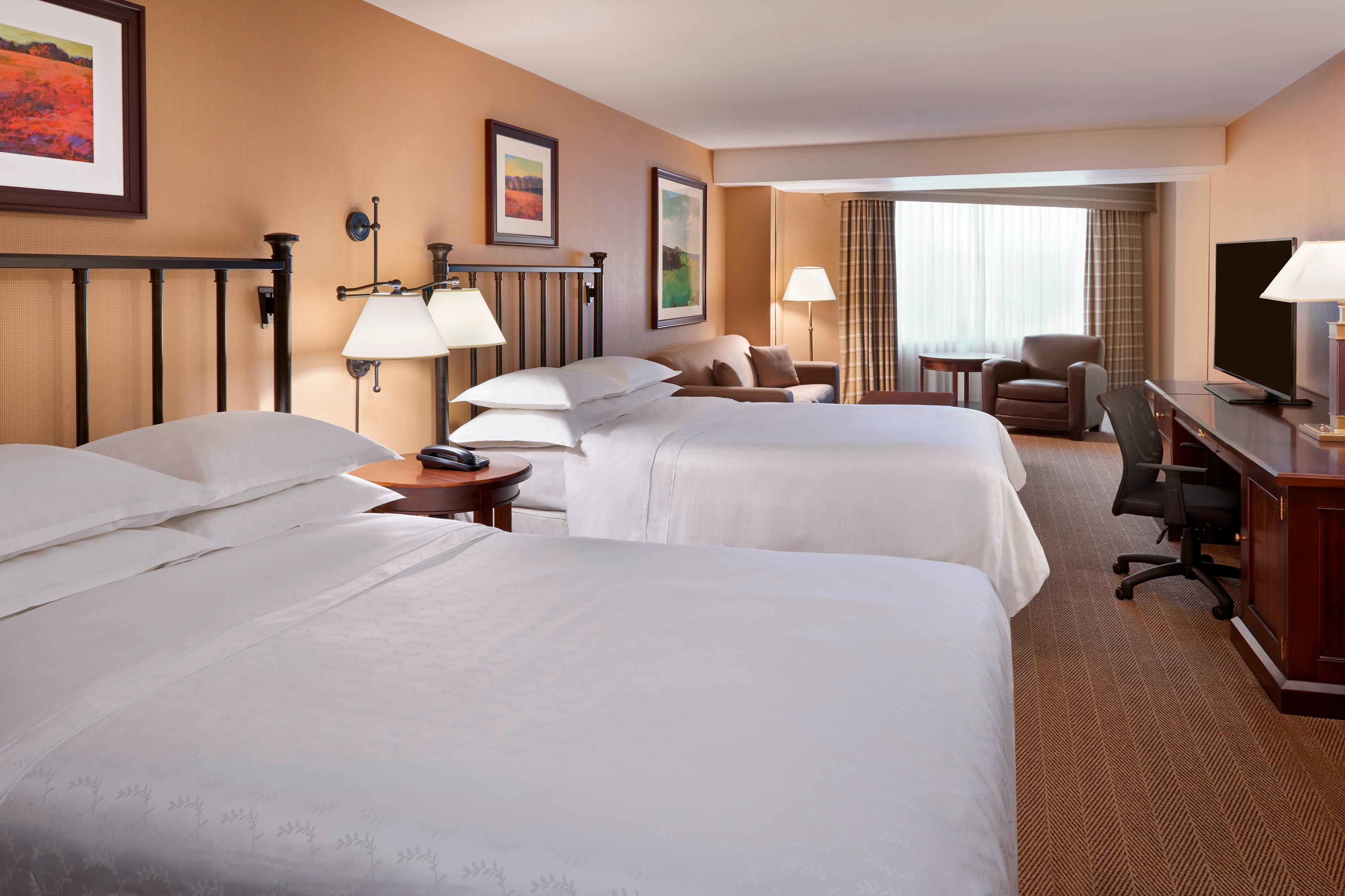 Double/Double Deluxe Family Suite