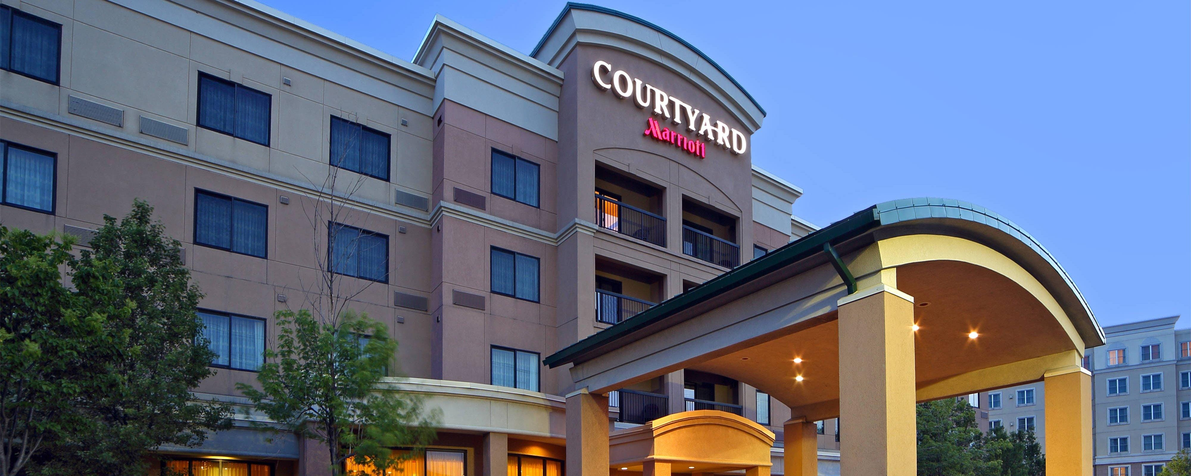 Hotels Near Mississauga Airport