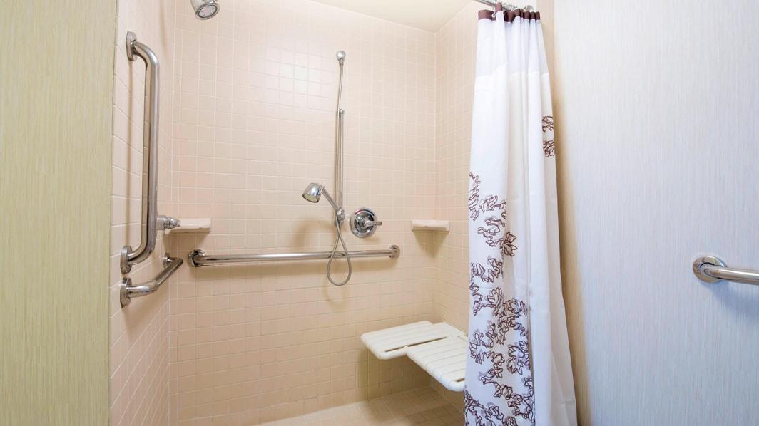 バリアフリー・スイート・バスルーム