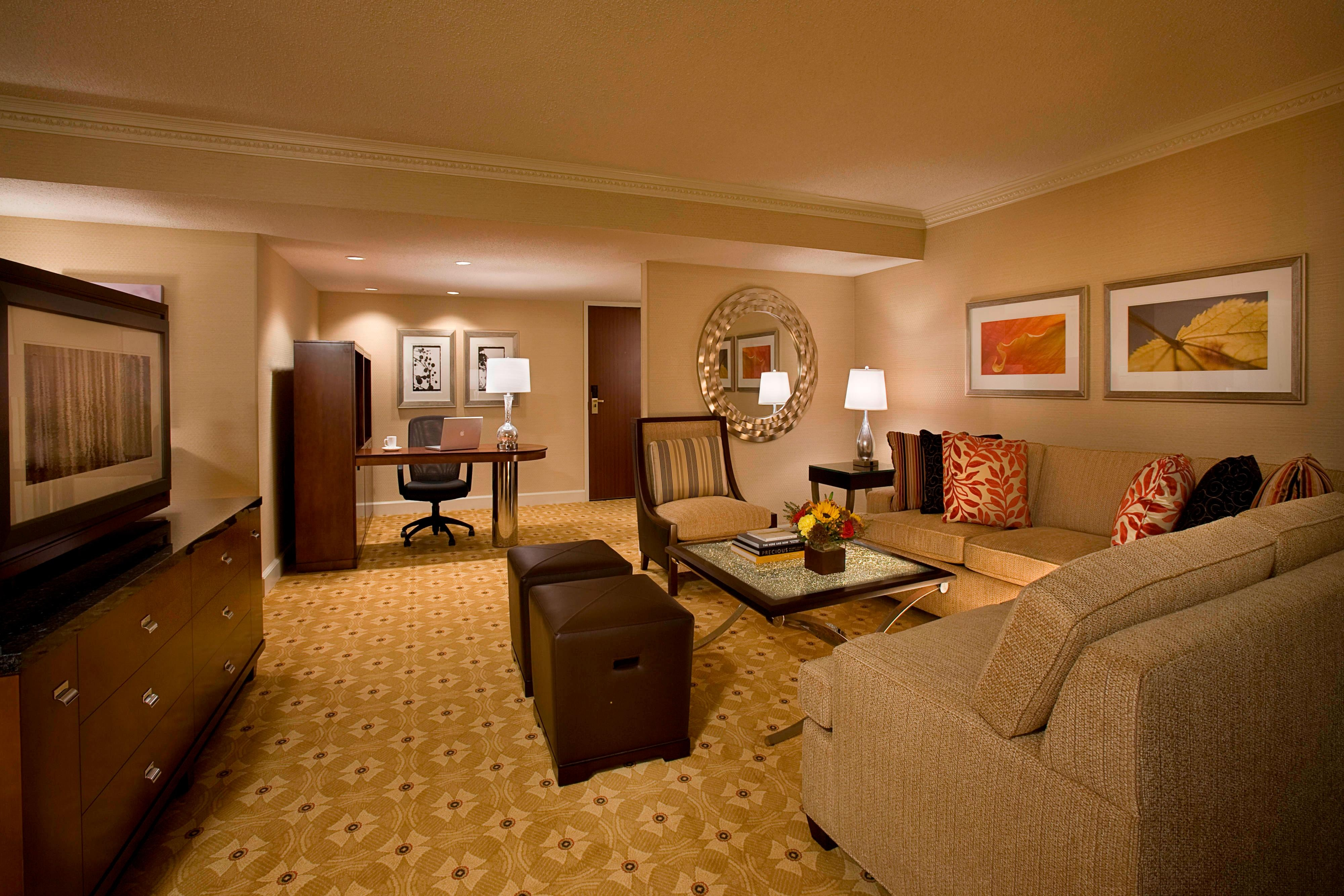 King Suite Sitting Area