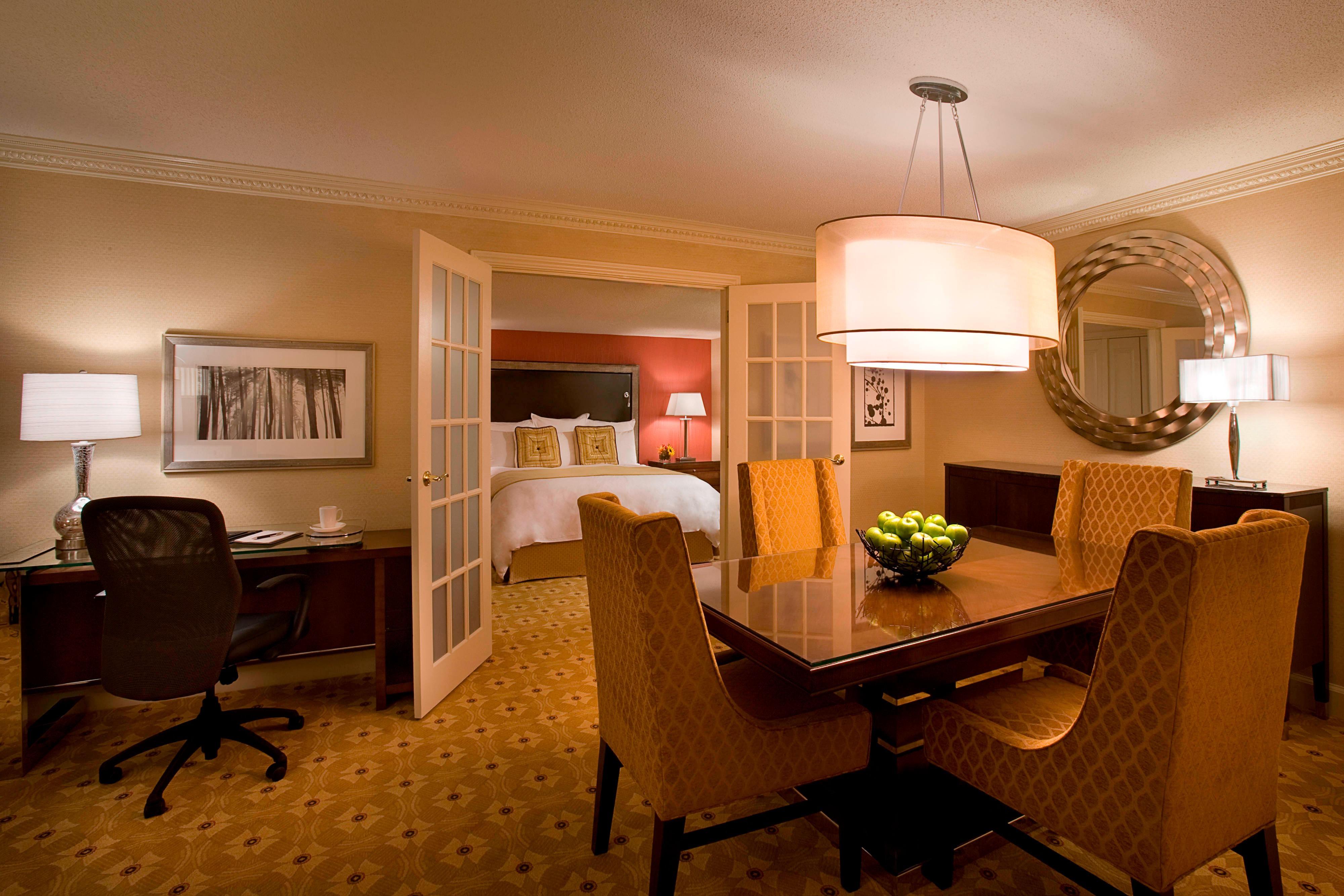 Chambres d'hôtel de luxe à proximité de l'aéroport de Toronto