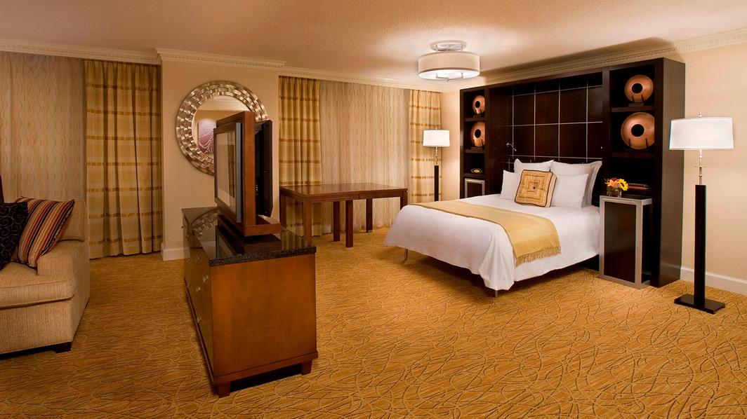 Dormitorio de la suite del hotel en Toronto