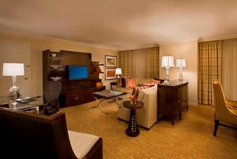 Toronto hotel presidential suite