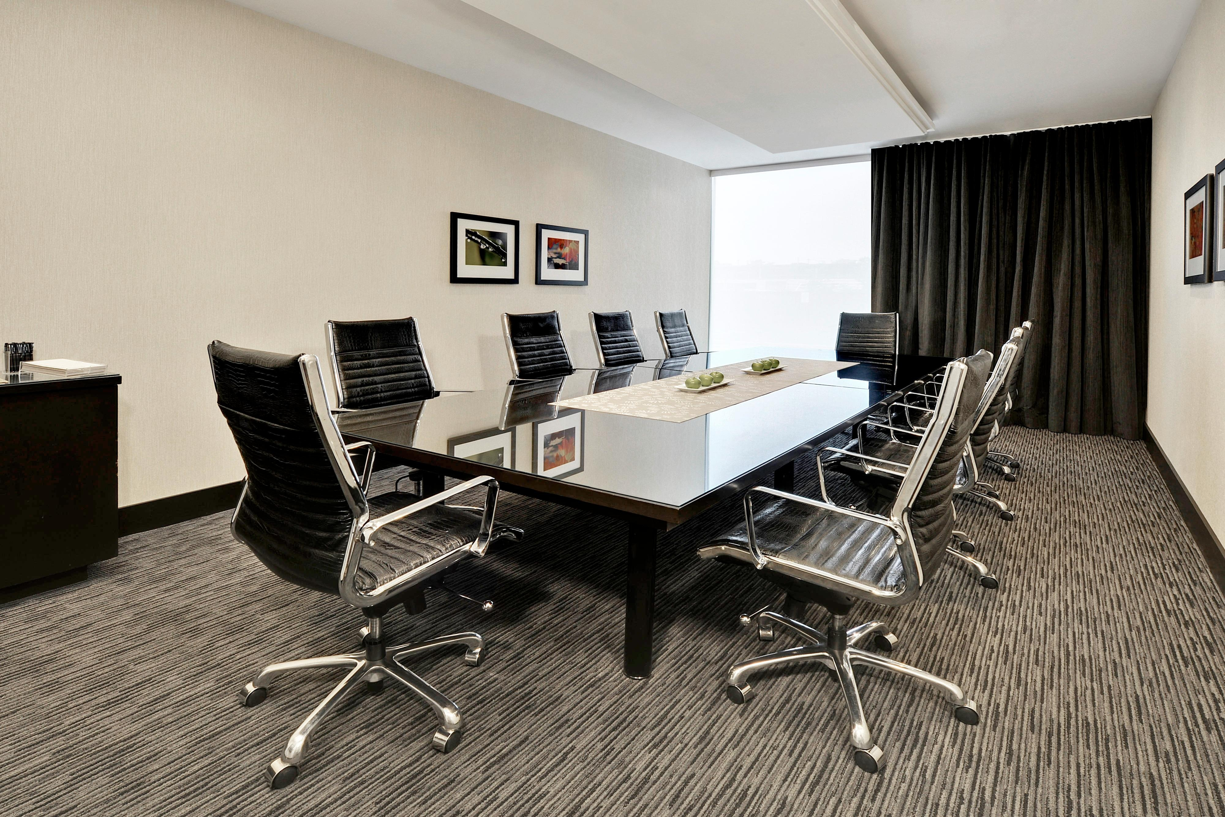 Oak Meeting Room