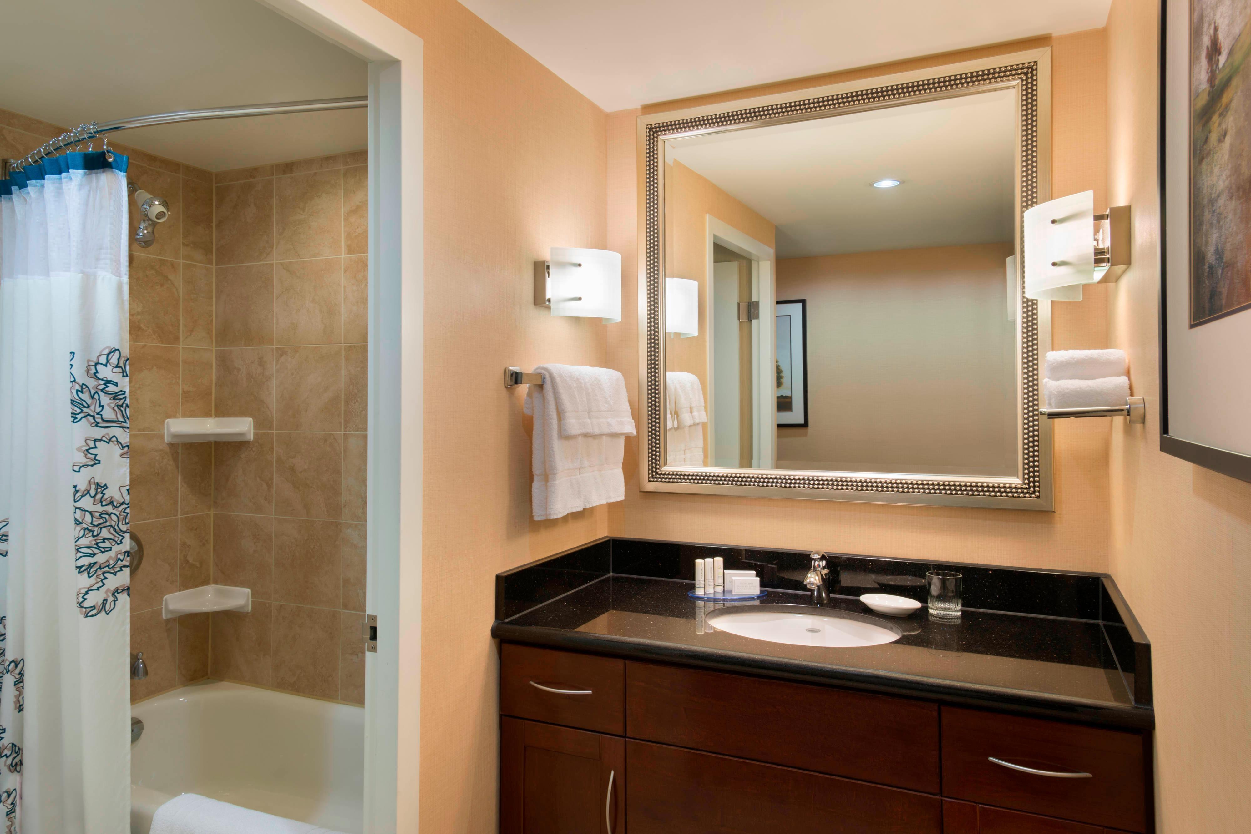 Salle de bains d'une chambre de l'hôtel de l'Entertainment District de Toronto