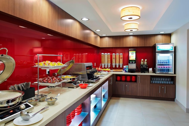 Mississauga hotel with free breakfast