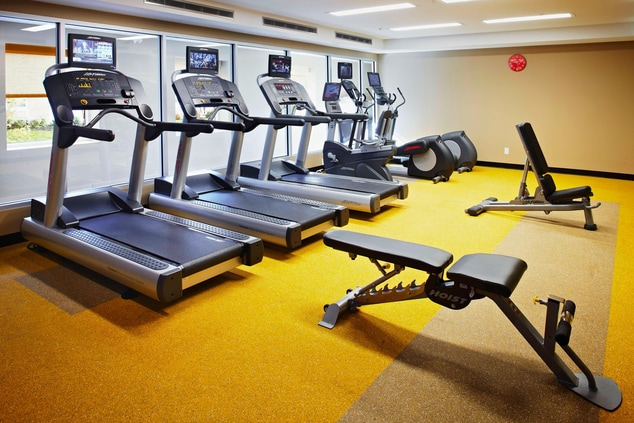 Mississauga hotel with fitness center