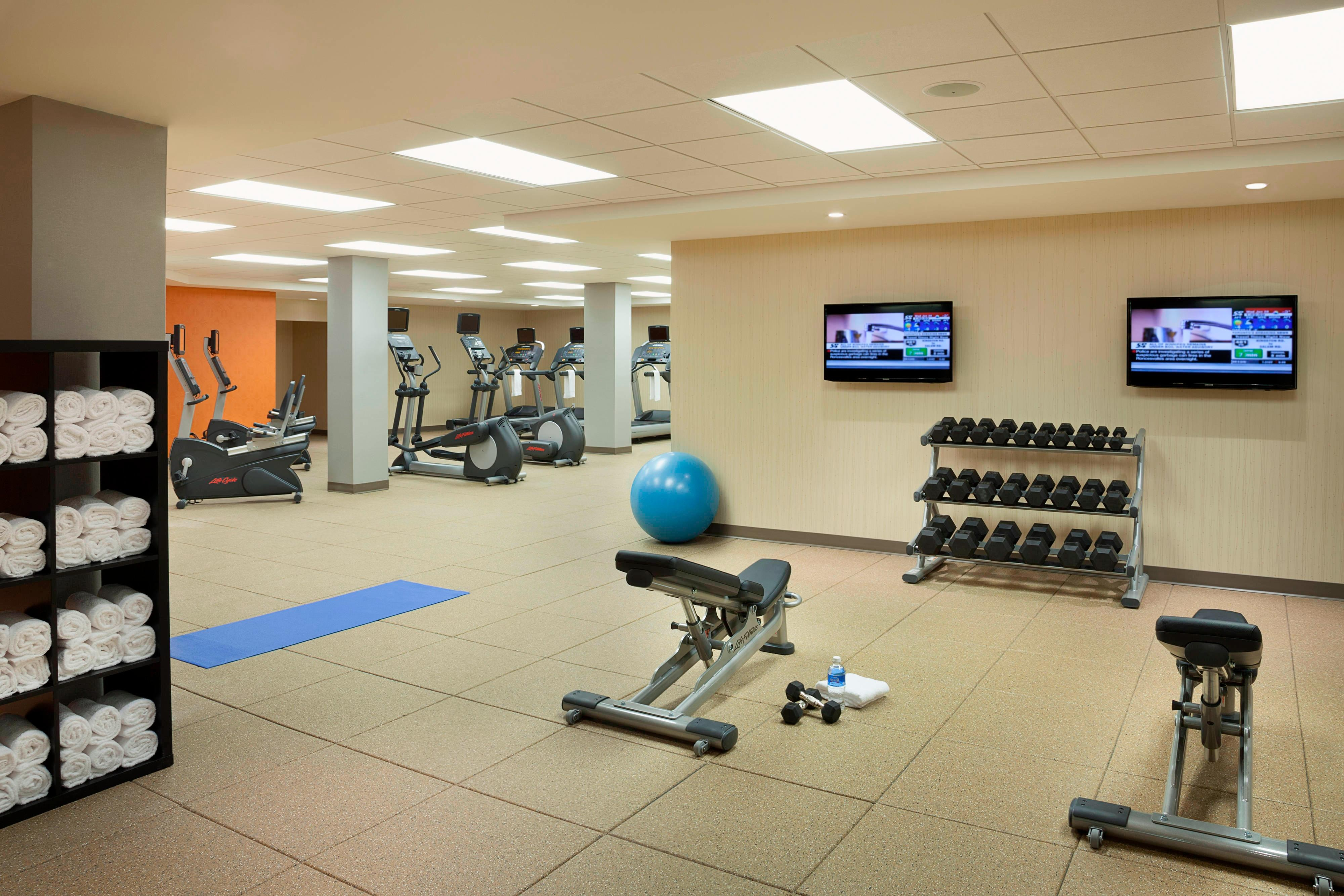 Fitness centre in Markham hotel