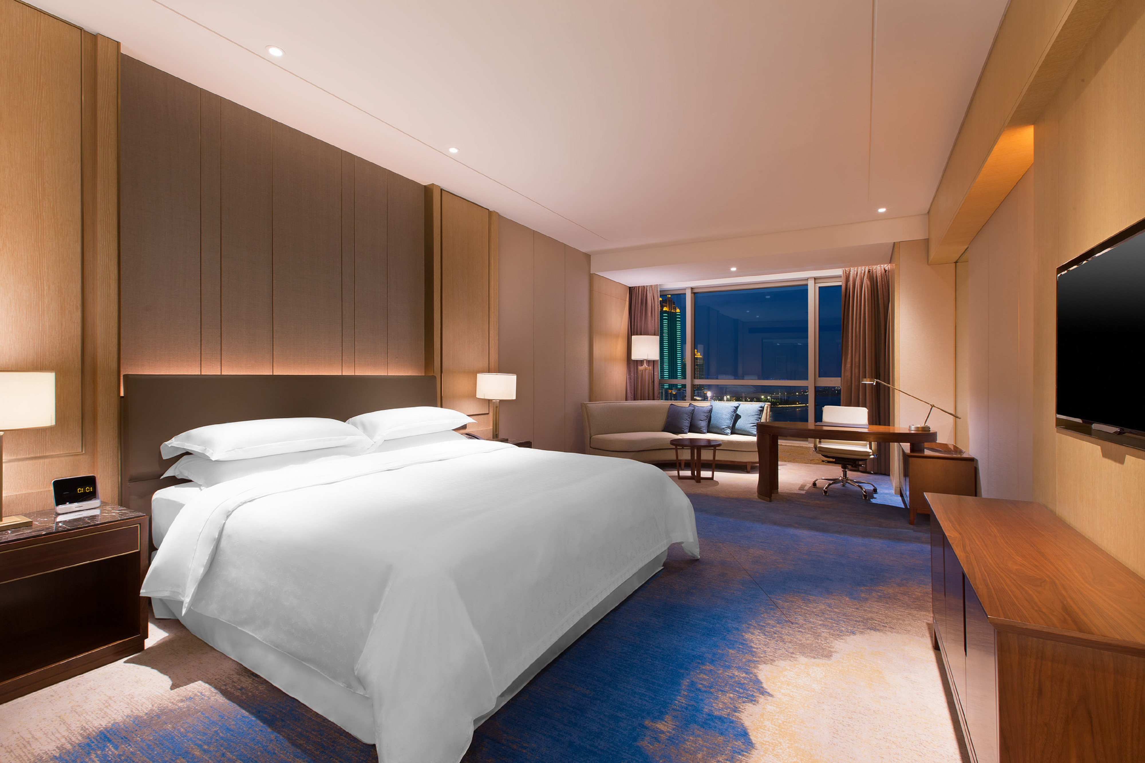 King Deluxe Seaview Guest Room