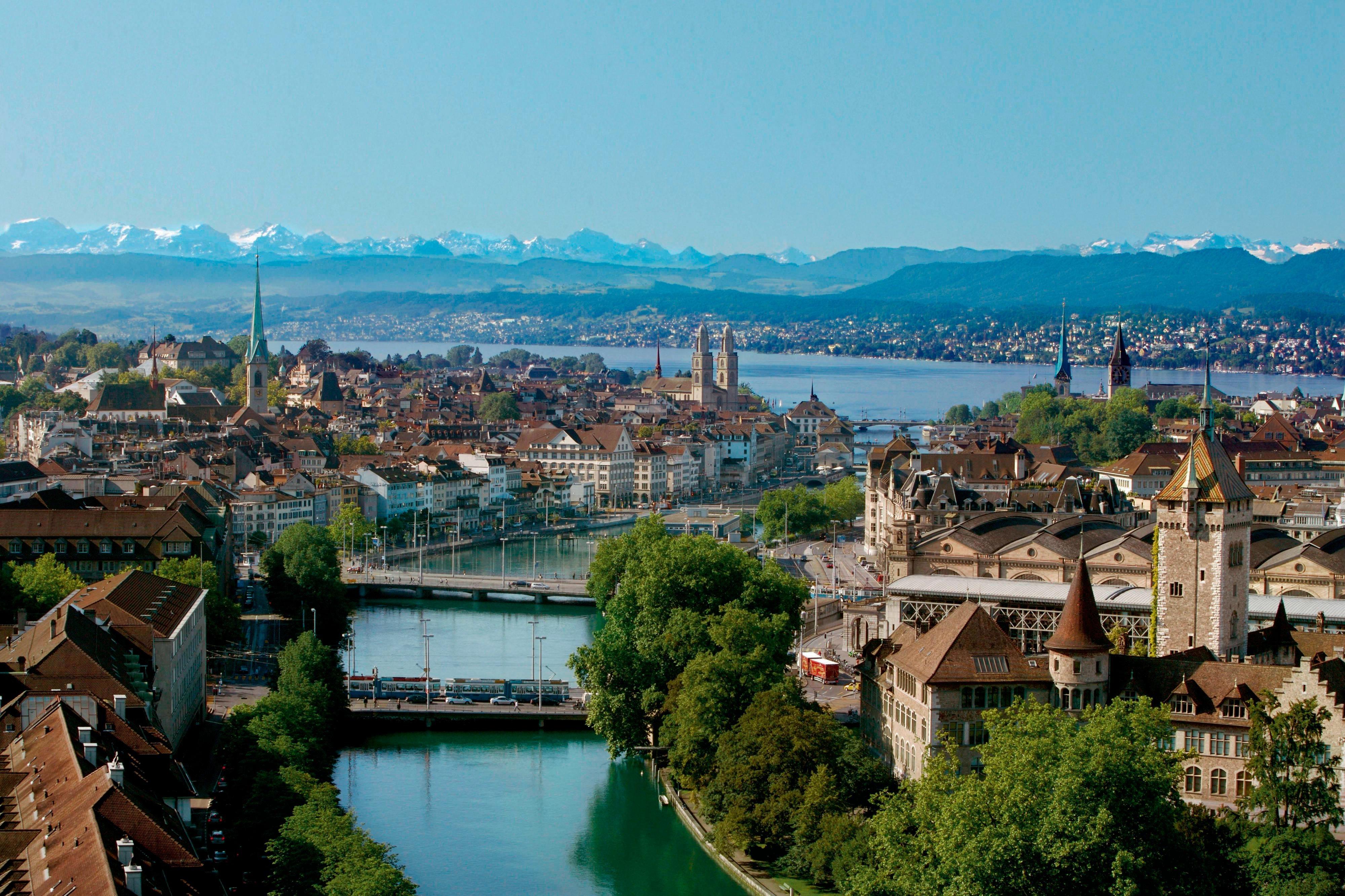 La rivière Limmat, en centre-ville de Zurich