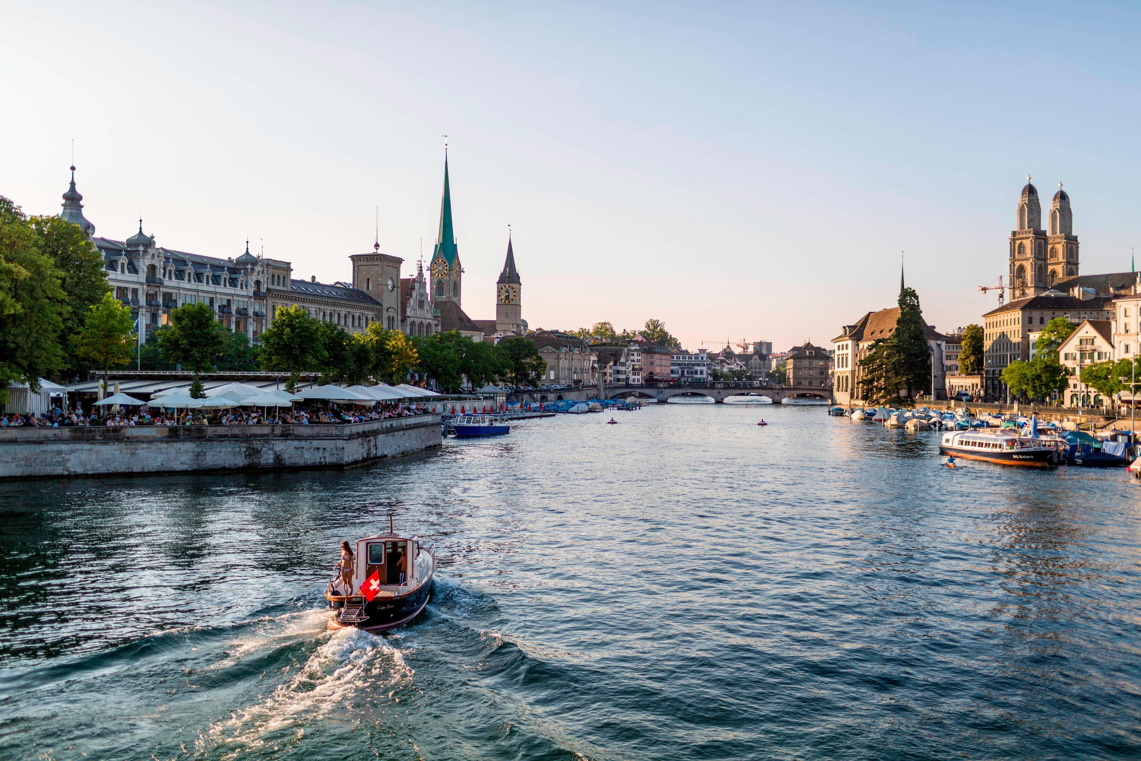 La rivière Limmat, dans le centre-ville de Zurich
