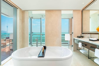 Club Ocean View Suite - Bathroom