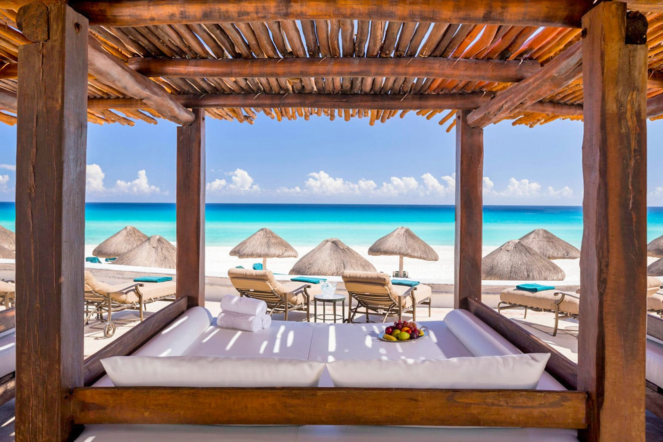 Beach cabana, JW Marriott Cancun Resort & Spa